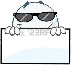 Sonre�r Pelota de golf con las gafas de sol que oculta detr�s de un signo photo