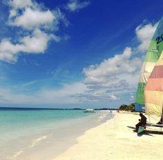 #sevenmile #beachdays #love #sun #caribbean #vibes #negril #jamaicatraveltoday Negril, Surfboard, Caribbean, Surfboard Table, Skateboarding