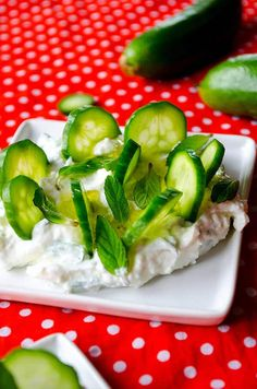 Cucumber yogurt feta dip makes you renewed in these warming days. Serve it with thinly sliced cucumbers. Cucumber Yogurt, Feta Dip, Fresh Mint, Dips, Vegetarian, Tasty, Food, Sauces, Meals