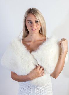 7 fantastiche immagini su L accessorio in pelliccia nel matrimonio d ... 86700179876f