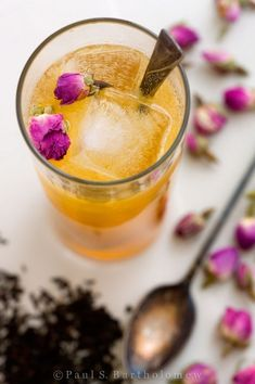 Earl Grey-Infused Gin and Rose Cocktail
