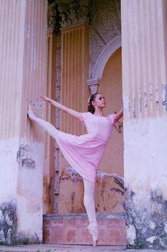Балет и Опера :: Просмотр темы - Фотографии для красоты 3 Ballet Skirt, Skirts, Fashion, Moda, Tutu, Fashion Styles, Skirt, Fashion Illustrations