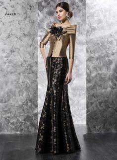 4423 (Vestido de Fiesta). Diseñador: Valerio Luna. ...