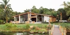 modern-houses_003_house_plan_ch286.jpg