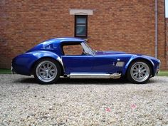 AC Cobra 427 An unlikely alliance between AC Cars, a traditional British car maker, and Carroll Shelby, a charismatic Texan racer, produced the legendary AC [. Ac Cobra 427, Dream Cars, Automobile, Auto Retro, Roadster, Sweet Cars, Kit Cars, Bugatti, Custom Cars