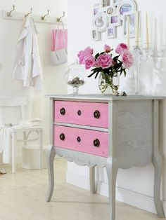 This dresser will be cute for a little girls room((: