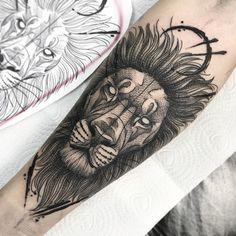 Lion Tattoo, Arm Tattoo, Blackwork, New Tattoos, Cool Tattoos, Shoulder Tats, Naruto Tattoo, Piercings, Show Beauty