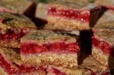 Zabpelyhes meggyes szelet | Mohamama konyhája Meatloaf, Desserts, Recipes, Food, Tailgate Desserts, Deserts, Recipies, Essen, Postres