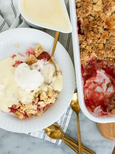Rabarberpaj med kolatäcke | Brinken bakar Sweet Pie, Fika, Cookie Desserts, Cake Cookies, Deserts, Food And Drink, Sweets, Lunch, Snacks
