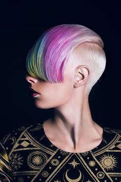 Radical hair colours, sharp lines – more is more and less is a bore in Shy+Flo's CHIMERA – Creative HEAD Magazine Undercut Hairstyles, Funky Hairstyles, Short Hairstyles For Women, Shaved Pixie Cut, Cotton Candy Hair, Competition Hair, Multicolored Hair, Faded Hair, Fantasy Hair