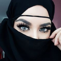 Image may contain: 1 person, closeup Gorgeous Eyes, Pretty Eyes, Gorgeous Women, Arabian Beauty Women, Blur Image Background, Boxing Girl, Girly Pictures, Niqab, Girl Photography Poses