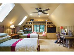 Cool Attic Design Ideas That Looks Cool - Most of us have our attics at home but we just leave it unattended and unused. This is because we cannot find interesting ideas for it. Attic Master Bedroom, Attic Bedroom Designs, Attic Bedrooms, Attic Design, Kids Room Design, Küchen Design, Design Ideas, Attic Bathroom, Bathroom Layout