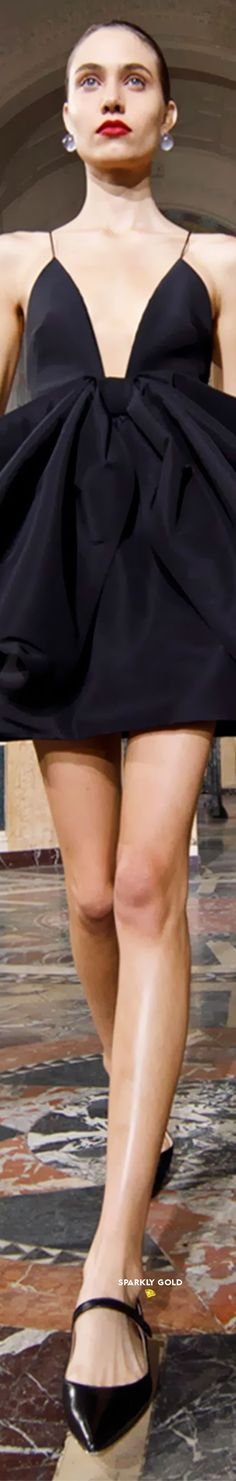 Carolina Herrera Spring 2021 RTW #SparklyGold ❀ Carolina Herrera, Peplum Dress, Spring, Black, Rain, Dresses, Clothes, Shoes, Fashion