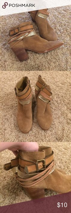 Aldo booties Excellent condition!! Take advantage of all the low prices and bundle!! All items in this closet are listed only until This Sunday! Aldo Shoes
