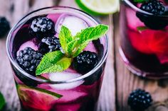 The Blackberry Bourbon Smash is a quick, spicy and fresh cocktail with bright eye-catching color. Its herbaceous aromatics artfully accent a wide variety of table fare. Bramble Cocktail, Cocktail And Mocktail, Non Alcoholic Cocktails, Easy Cocktails, Sangria Recipes, Cocktail Recipes, Blackberry Sangria, Bourbon Smash, Pisco Sour