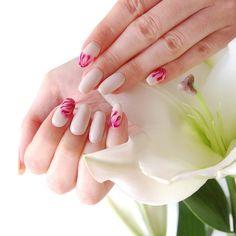 Kremowe paznokcie hybrydowe / NeoNail