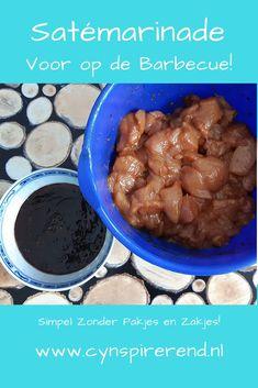 Mijn Indische opa maakte de lekkerste saté van de wereld. Vandaag deel ik mijn eigen recept voor satémarinade zonder pakjes en zakjes. Met een heerlijke, zelfgemaakte marinade van kruiden uit je voorraadkast. Lekker voor op de barbecue of voor bij een Indische maaltijd. Selamat makan! Nasi Goreng, Chicken Recipes, Beans, Vegetables, Blog, Vegetable Recipes, Blogging, Beans Recipes, Veggies
