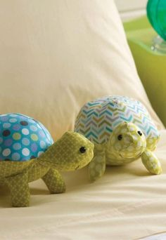 Tortugas con patrón para coser   -   Happy Stuffed Turtles Sewing Pattern