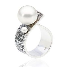 The silver that is fit for pearls.