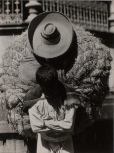 TINA MODOTTI Italian, Man with large load on back ca. 1925 Gelatin silver print Image: × cm × 2 in. Tina Modotti, Edward Weston, Double Exposition, Black White Photos, Black And White Photography, Abstract Photography, Street Photography, Vintage Photography, Print Image