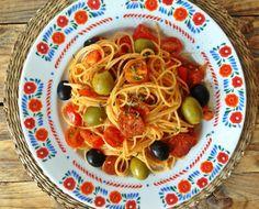 cestoviny s olivami Ale, Spaghetti, Ethnic Recipes, Food, Ale Beer, Essen, Meals, Yemek, Noodle