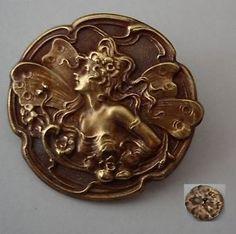 """antique French brass button, Art Nouveau motif.. """"Belle Epoque"""", ca. 1900"""