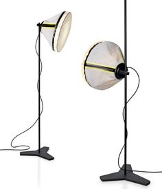 Foscarini Diesel Drumbox - Elk detail van deze lamp draait om veelzijdigheid. Door de losse kap kan hij op de vloer, staand of hangend worden gebruikt. Voor de kap is gebruik gemaakt van een bijzondere combinatie van gecoat linnen en nylon. De opvallende rits is in een contrasterende kunststof uitgevoerd.