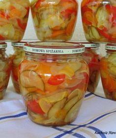 Sałatka warzywna w zalewie słodko – kwaśniej - Jarskie Kitchen Hacks, Tasty Dishes, Preserves, Pickles, Good Food, Frozen, Food And Drink, Jar, Homemade
