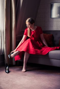 Kathryn Newton (USA) – Feet of the Fabulous Dior Atelier, Kathryn Newton, Little Red Corvette, Get Glam, Royal Dresses, Red Gowns, Reese Witherspoon, Celebrity Feet, Red Fashion