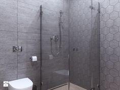 Bardzo modne są teraz płytki heksagonalne. Ich ciekawy kształt nada naszej łazience charakterystycznego klimatu.
