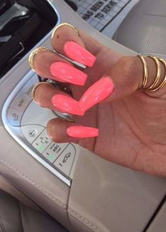 Acrylic Nails are probably the most trending buzzword within the style business now. From Acrylic Nails for Summers to Winters to the number of Acrylic Nail Designs and Acrylic Nail shapes – Discover Cute Acrylic Nails, Neon Nails, Love Nails, My Nails, Coral Pink Nails, Neon Nail Colors, Pink Summer Nails, Spring Nails, Acrylics Nails For Summer
