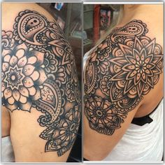 What does paisley tattoo mean? We have paisley tattoo ideas, designs, symbolism and we explain the meaning behind the tattoo. Paisley Tattoos, Paisley Tattoo Sleeve, Dotwork Tattoo Mandala, Full Sleeve Tattoos, Tribal Tattoos, Paisley Tattoo Design, Henna Tattoos, Neue Tattoos, Bild Tattoos