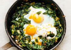 Skillet-Baked Eggs with Spinach, Yogurt, and Chili Oil | 31 Delicious Low-Carb Breakfasts For A Healthy New Year. ditchthecarbs.com