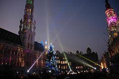 CHRISTMAS MARKETS – Χριστούγεννα στις Βρυξέλλες  Οι γιορτές στοΒέλγιοέχουν τη δική τους χάρη και έχοντας περάσει όμορφες γιορτινές ημέρες στην πρωτεύουσα της χώρας, οFroggyμε σιγουριά μπορεί να σας πει ότι αξίζει, αν κάποτε σας βγάλει ο δρόμος (και τα χρήματα) προς άλλη χώρα για τις γιορτές, να κάνετε μια στάση στιςΧριστουγεννιάτικες Βρυξέλλες.Οι εορταστικές εκδηλώσεις στην πόλη,Plaisirs d' Hiver, θα..