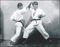 Motonobu Hironishi. Kumite with Master Egami, in 1936