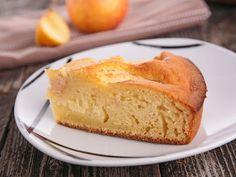 La torta di mele è un vero classico della pasticceria, amato dai grandi e dai piccoli che ne adorano la consistenza pastosa e cremosa