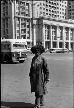 Henri C-Bresson 1954 Moscow. A man from the Caucasus region in front of the Hotel Metropol