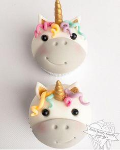 Que fofura esses cupcake de # . Via @trulymadlysweetlycupcakes #mae_festeira #maefesteira