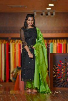 Salwar Neck Designs, Kurta Neck Design, Kurta Designs Women, Dress Neck Designs, Kalamkari Dresses, Salwar Dress, Ikkat Dresses, Gown Dress, Fancy Blouse Designs