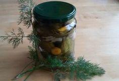 Jak zavařovat okurky alá znojemské: rychle a bez přípravy láku   recept Korn, Pickles, Cucumber, Mason Jars, Frozen, Veggies, Homemade, Canning