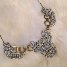 ✨Stunning bib necklace✨ ✨Stunning bib necklace! Gold with rhinestones and adjustable clasp. Oversized statement piece. Gorgeous! As is and final sale, never worn, NWT, purchased many of these beauties wholesale for retail and as gifts for friends and family who love them. Fabulous! ✨ Jewelry Necklaces