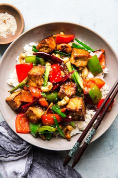 Kung Pao Tofu redefines the term plant-based dinner. With crunchy cashews and lots of veggies doused in a healthy dose of spicy Kung Pao sauce its a vegan dinner that hits the spot. Tofu Recipes, Asian Recipes, Vegetarian Recipes, Dinner Recipes, Healthy Recipes, Ethnic Recipes, Chicken Recipes, Lasagna Recipes, Pudding Recipes