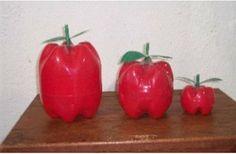 Exquisitas manzanas… con botellas de plástico