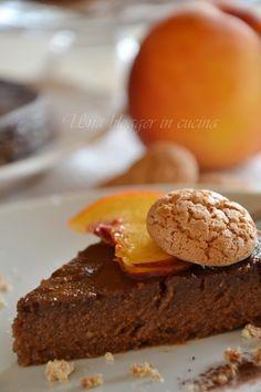 Torta pesche e amaretti (torta persi pien) fetta