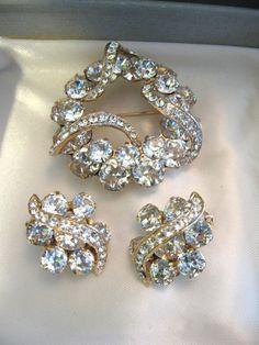 Vintage Eisenberg Clear Crystal Rhinestone Brooch & Earring Set by jwvintagejewelry, $158.00