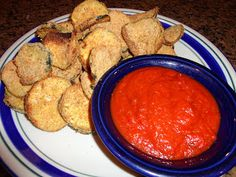 Never trust a skinny cook....: Baked zucchini chips