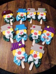 Clown Palette: - Apocalypse Now And Then Craft Activities, Preschool Crafts, Diy And Crafts, Craft Projects, Crafts For Kids, Projects To Try, Arts And Crafts, Paper Crafts, Clown Crafts