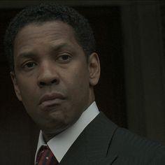 AMERICAN GANGSTER - Frank Lucas (Denzel Washington) two-piece black suit