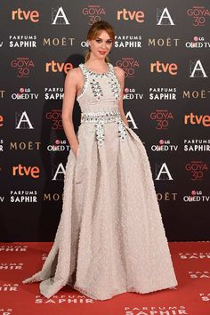 2016 GOYA AWARDS RED CARPET – The Front Row Mirror
