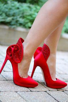 ~~Alice & Olivia ~ Danielle platform pumps, so hot and sassy~~